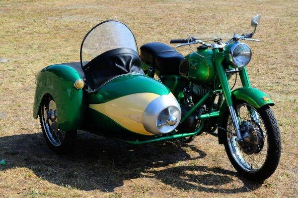 ¿Se puede llevar una moto con sidecar hoy en día?